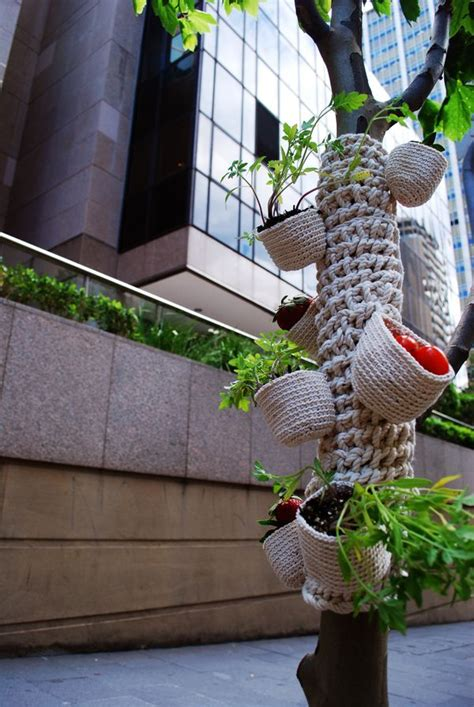 guerilla knitting patterns 89 best images about gorilla knitting on trees