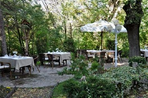 Garden Of Reviews Garden Picture Of Regulateur Restaurant Eskisehir
