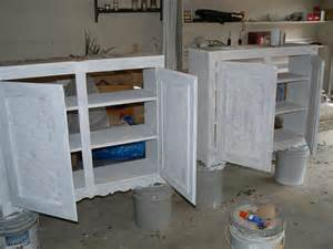 Primed Cabinets by Primed Cabinets On Paint Cans It S Great To Be Home