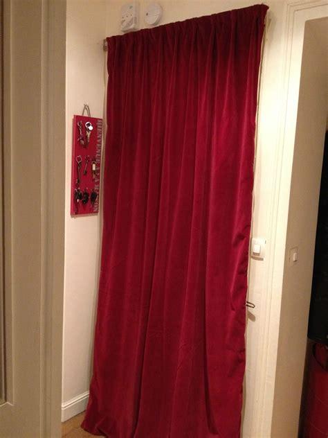 le rideau de porte de cl 233 mentine l atelier couture de l enfant roi