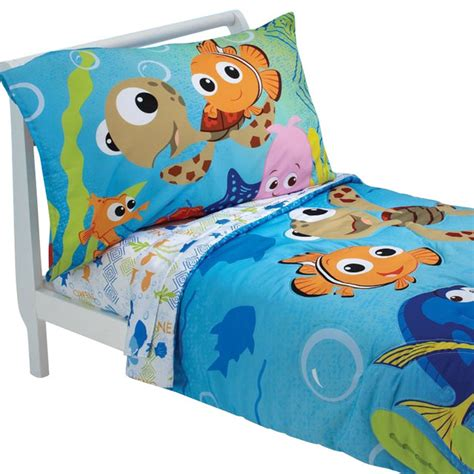 finding nemo comforter set finding nemo friends toddler bedding set comforter sheets