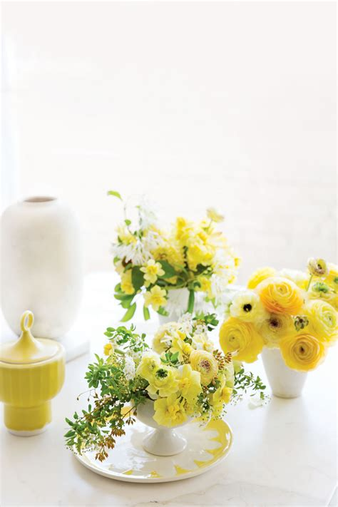small table decorations 23 floral arrangement ideas creative flower arrangements