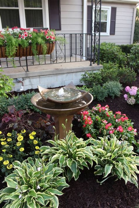 front yard gardens ideas 17 best ideas about front house landscaping on