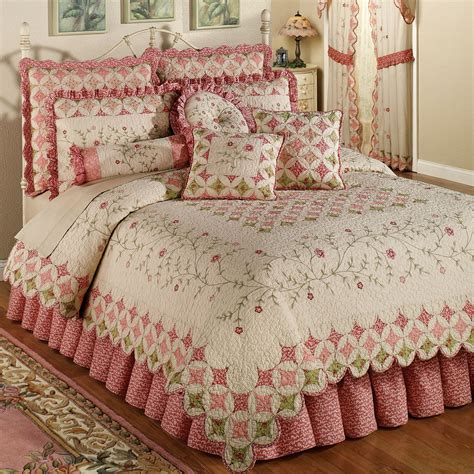 bed quilts coras cathedral garden cotton quilt set bedding