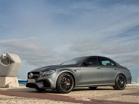 2018 E63s Amg by The 2018 Mercedes Amg E63 S Goes Like A Bat Out Of Hell
