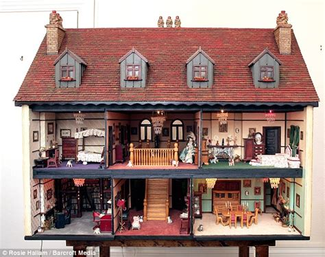 the doll house what property slump intricate dolls house sells for 163
