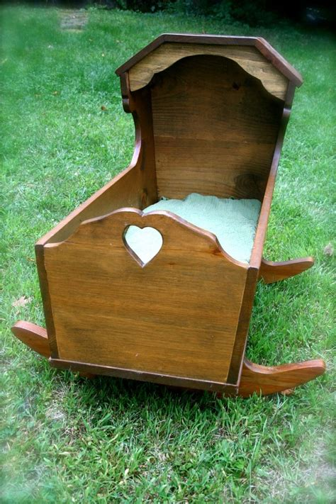 bassinet woodworking plans 17 best ideas about baby cradles on bassinet