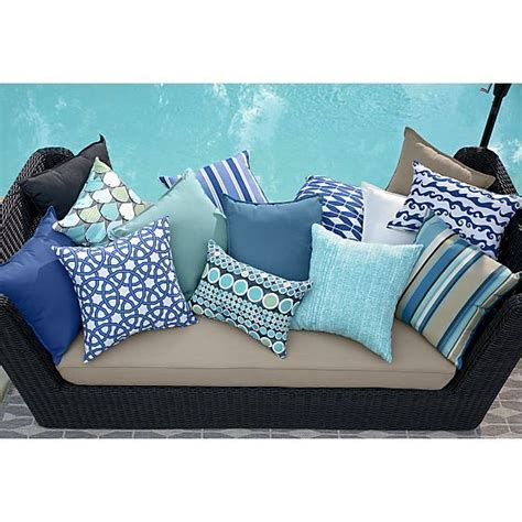 patio cushions and pillows 25 best ideas about outdoor pillow on patio