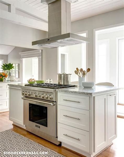 images of kitchen islands best 25 island stove ideas on kitchen island
