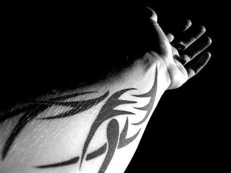cool men wrist tattoo designs