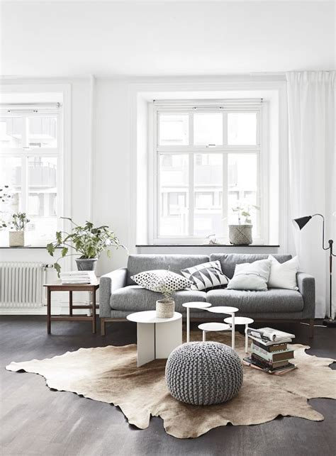 white sofas in living rooms 1000 ideas about grey sofa decor on
