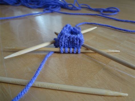 how to knit in the with pointed needles fiber flux how to knit with pointed needles dpns