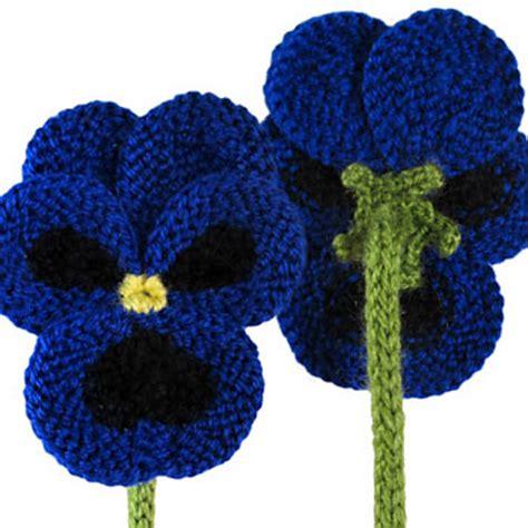 free knitted flower brooch patterns blij dat ik brei viooltjes