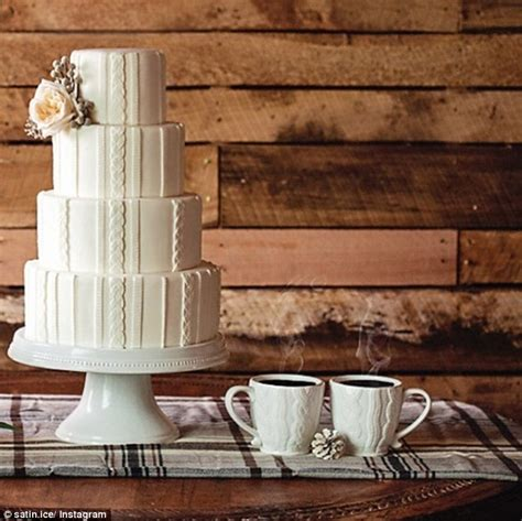 knitted wedding cake cable knit wedding cakes are the next big thing daily