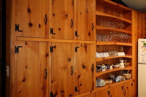 pine kitchen cabinets knotty pine kitchen cabinets knotty pine kitchen cabinet