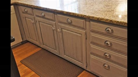 chalk paint cabinets diy painting kitchen cabinets with chalk paint