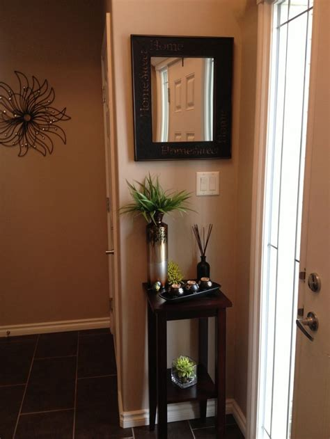 decorating a small foyer 1000 ideas about small entryways on small