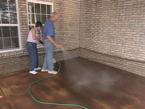 how to stain concrete patio yourself how to apply concrete stain how tos diy