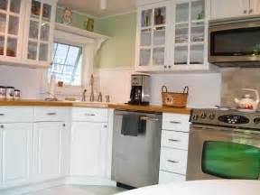 white small kitchen designs small white kitchens nukitchensnukitchens