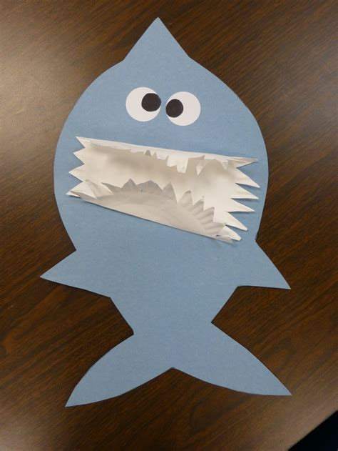 shark craft projects hungry shark craft use a paper plate for teeth