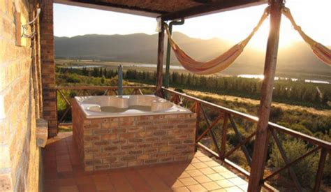 mountain cottages 30 accommodations with jacuzzis in the western cape