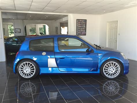 Renault Clio V6 For Sale by Used 2004 Renault Clio V6 Renaultsport V6 255 For Sale In