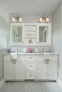 bathroom cabinets ideas photos best 25 cape cod bathroom ideas only on