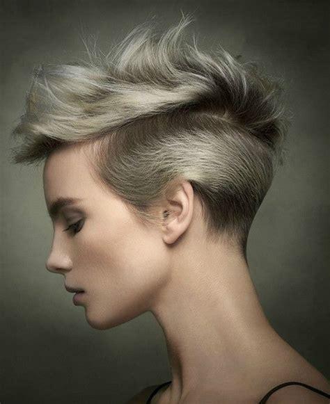 cortes de pelo para pelo lacio moda cabellos pelo corto lacio para mujeres verano 2017