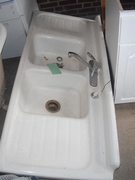 retro kitchen sink kitchen vintage kitchen sinks uk antique retro kitchen