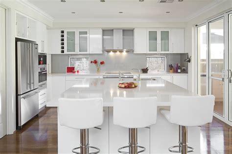 glossy white kitchen cabinets glossy white kitchen design trend digsdigs