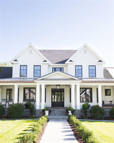 traditional farmhouse plans best 25 white houses ideas on white house