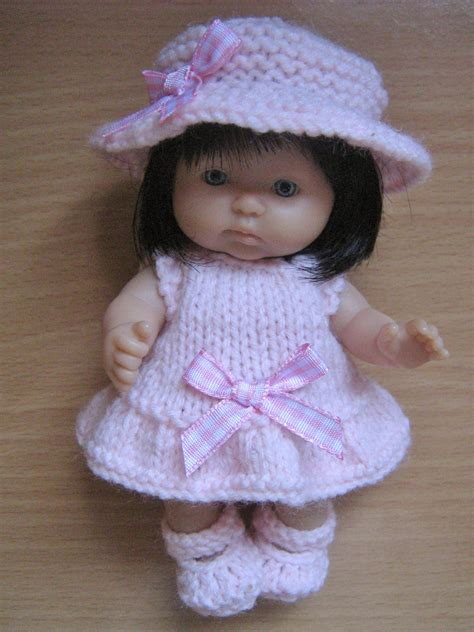 dolls clothes knitting patterns uk knitting pattern for 5 berenguer dolls clothes
