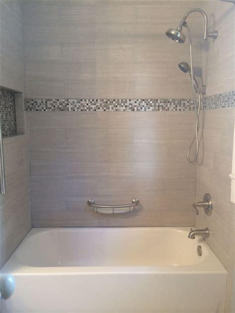 bathroom tub tile ideas 25 best ideas about tile tub surround on