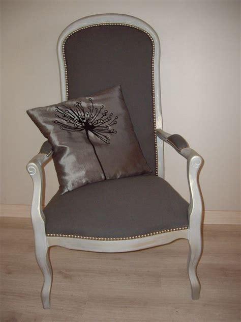 r 233 novation fauteuil voltaire table de lit