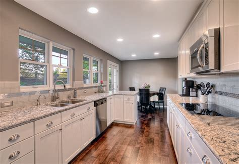 Paint Colors For Kitchens With White Cabinets Kitchen Paint Colors With Light Cabinets
