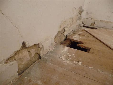 boucher fissure devenue trou mur pl 226 tre