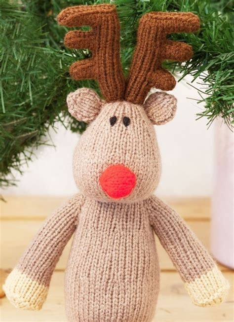 weekly knitting patterns free knitting pattern for a knitted reindeer