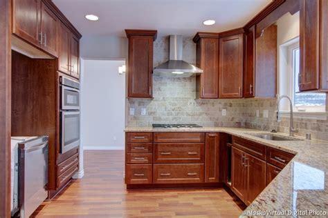 installing kitchen cabinet crown molding kitchen cabinet crown molding