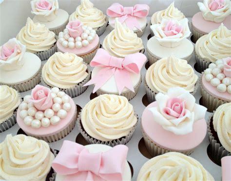 cupcakes and 30 wedding cupcakes