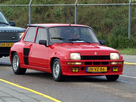 Renault R5 Turbo 2 by Renault 5 Turbo