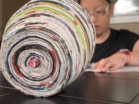 how to make paper from magazines how to make a vase out of magazines