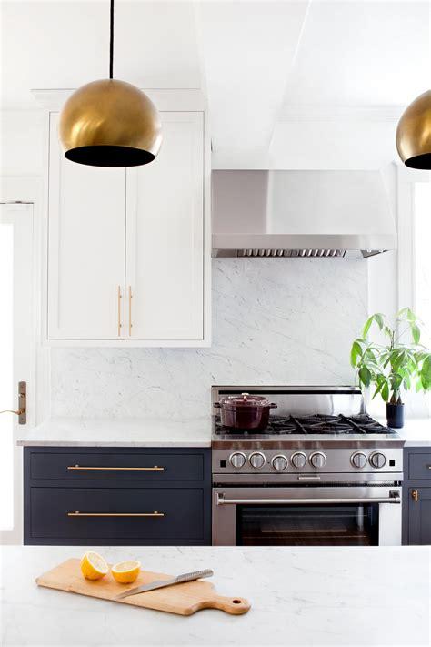 kitchen cabinet hardware ideas 9 gorgeous kitchen cabinet hardware ideas hgtv
