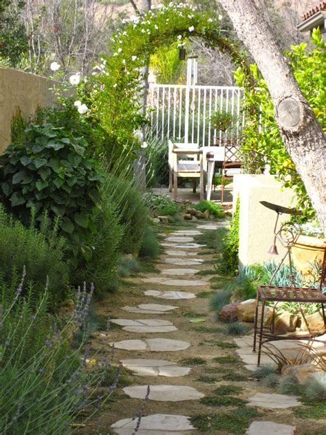 garden ideas for side of house side yard landscaping ideas and landscaping side
