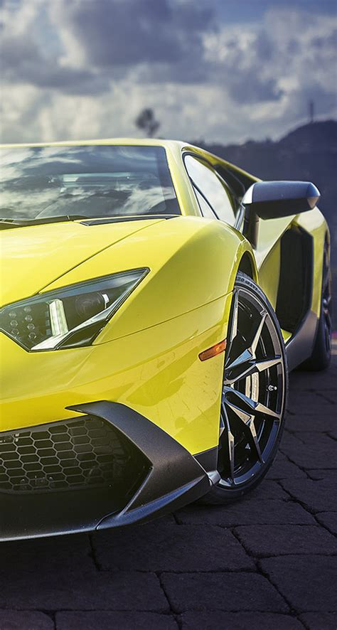 Supercar Wallpaper Yellow by Yellow Lamborghini Aventador Supercar The Iphone Wallpapers