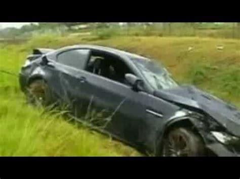 Usain Bolt Crash by Usain Bolt Injured In Car In Jamaica
