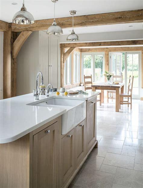 light oak kitchen cabinets best 25 light oak ideas on light gray walls