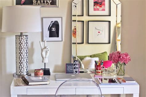 decorating your office desk 12 chic ways to decorate your desk porch advice