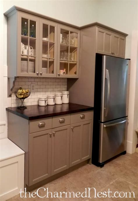chalk paint on kitchen cabinets 25 best ideas about chalk paint cabinets on