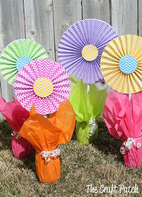 cheap easy centerpieces the craft patch cheerful cheap and easy flower centerpieces