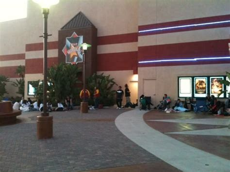 Garden Grove Cinema Regal Cinemas Garden Grove 16 Cinema 9741 Chapman